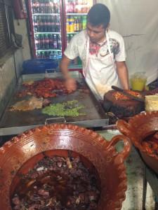 cocinando-en-el-mercado